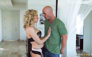 Curly haired blonde Jeanie Marie Sullivan enjoys having nice sex