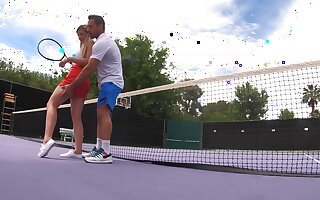 Informal tennis lessons end in forbidden outdoor fuck for Serena Avery