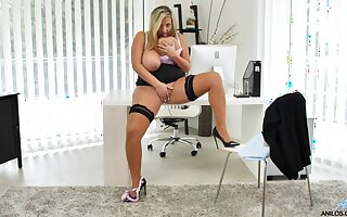 Massive natural BBW tits are perfect in the office