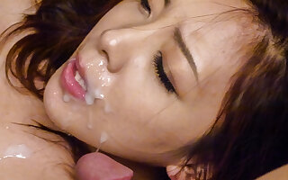 Maki Mizusawa loves having jizz on her lips - More at javhd.net