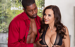MILF Lisa Ann's Interracial Anal Bliss