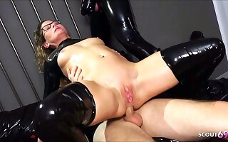 Downright German omnibus Izzy Mendosa loves an anal BDSM latex trio