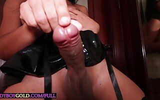 Big dick Thai shemale Dara fucked hard and deep to her Davy Jones's locker and loves it