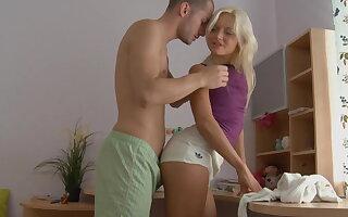 Very sexy blonde nigh cool hd sex video